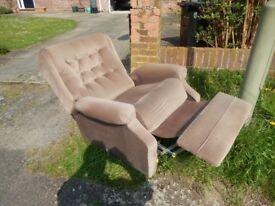 1 recliner armchair , 1 armchair