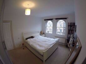 Freshly renovated, spacious and bright double room in Central London|Old Street|