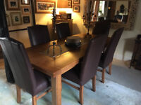 Multiyork Solid oak dining table & 6 leather chairs