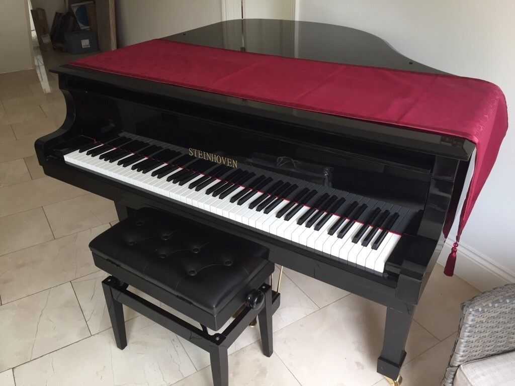 Steinhoven black gloss baby grand piano further reduced for Baby grand piano height