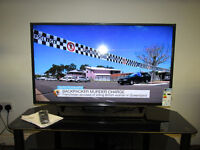 """NEW BOXED SONY BRAVIA 40"""" FULL HD LED TV WITH FREEVIEW HD"""
