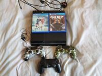 Ps4 500gb 3 controllers 2 games