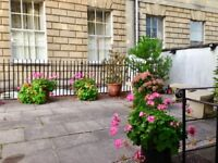 Beautiful period 2 bedroom flat to rent in the heart of Clifton Village