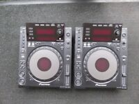 Pioneer CDJ 900 turntables (pair) Good condition with original packaging