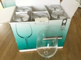 Box of 6 brand new large 'Flo' wine glasses