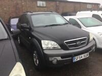 54REG KIA SERENTO DIESEL BIG VOLUME 4x4 in gleaming black llovely driver anytrial welcome