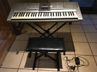 Yamaha PSR 295 Electric/ battery keyboard with stand, stool & adaptor