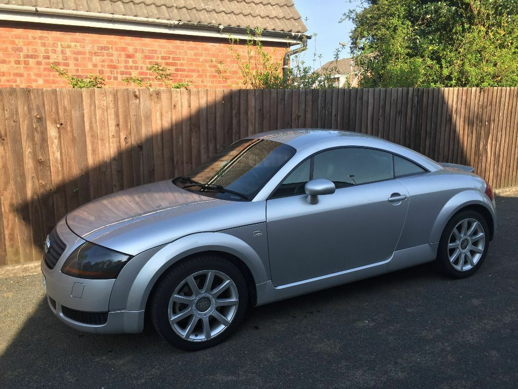2001 audi tt 1 8 turbo 225 bhp silver black leather. Black Bedroom Furniture Sets. Home Design Ideas