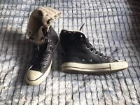 Converse ladies shoes.. size 4