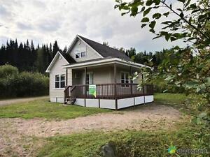 99 995$ - Chalet à vendre à Rivière-Éternité Saguenay Saguenay-Lac-Saint-Jean image 1