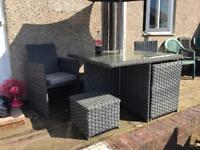 Table n chairs - outdoors