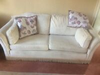 3 piece suite in cream/beige, good condition, looking for a quick sale hence price,Buyer to collect,