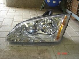 FORD FOCUS N/S FRONT HEADLIGHT