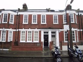 SPACIOUS 4 BEDROOM HOUSE - FULHAM BROADWAY