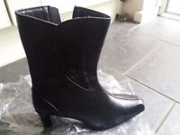 Brand new ladies black boots