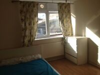 1 LARGE BRIGHT DOUBLE ROOM AVAILABLE NOW IN THIS FRIENDLY HOUSE IN BRIXTON