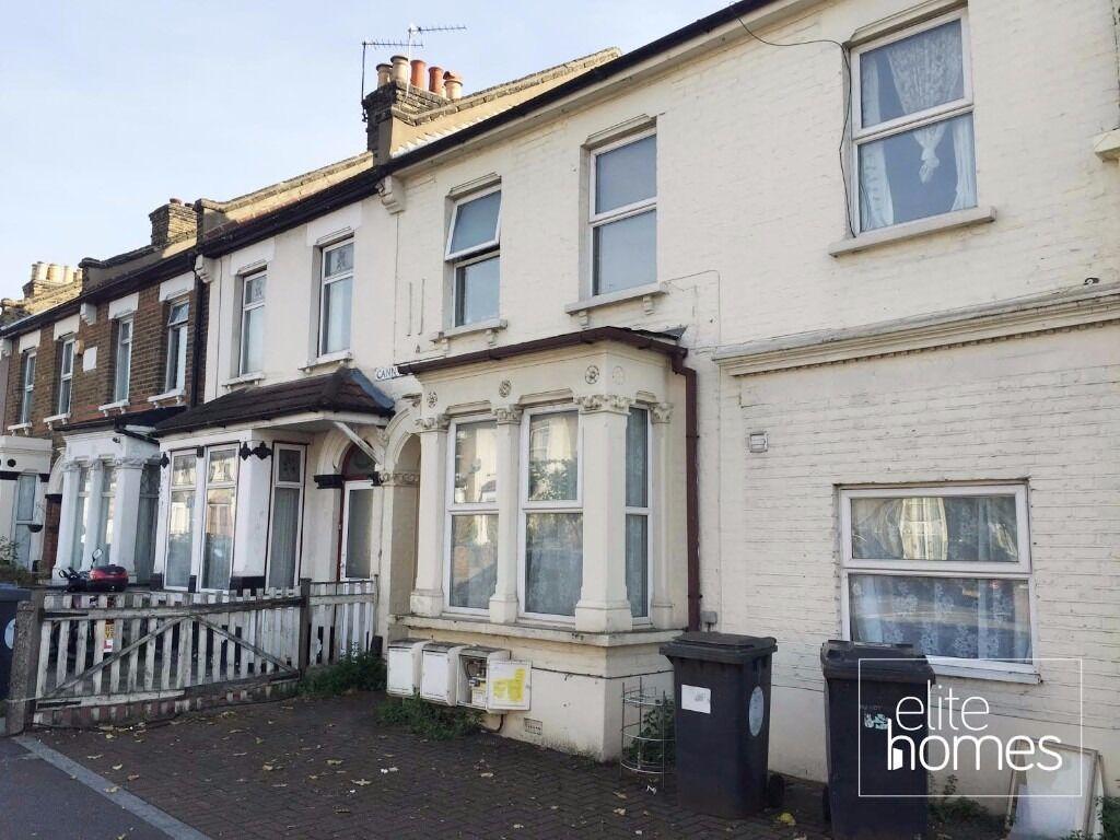 Large 2 Bedroom Leytonstone, E11, Great Location & Great, Local to Leyton Underground Station