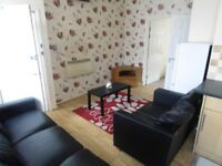 MUST SEE THIS 2 BEDROOM BUNGALOW LOCATED IN UB7 PART FURNISHED FOR £1200 BOOK YOURSELF A VIEWING