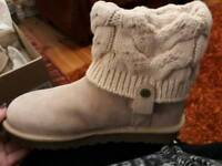 59c27b4a41 New uggs in Northern Ireland