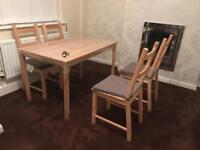 ++ Dining table with 4 chairs ++ BRAND NEW UN-USED++