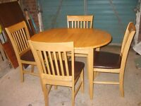 TABLE & 4 CHAIRS (NEAR MARKET WEIGHTON)