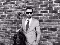 Singer/Guitarist for gigs and projects