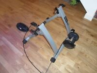 BRAND NEW MOUNTAIN ROAD BIKE GYM TURBO TRAINER ROLLING ROAD WITH ADJUSTABLE RESISTANCE £20!!!