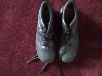 Black safety shoes size 7