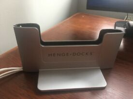 "Henge Docks vertical station for MacBook Pro 15"" retina"