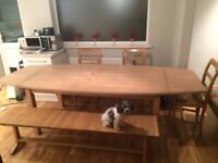 Beautifully made and proportioned Ash dining table with extending leaves