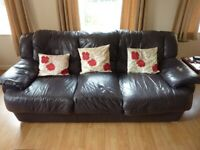 Sofa, 3 seater in good condition, free to collect