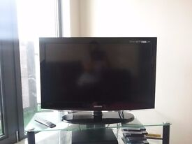 Samsung lCD TV 37 Inch Screen with samsung remote control handset