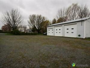 440 500$ - Entrepôt à vendre à Roxton Pond