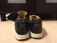 Nike Air Max 1 Black Gold