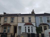 Large newly refurbished six bedroom student property to rent in Bishopston