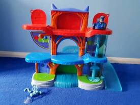 Pj masks deluxe headquarters