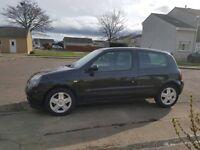 Black 3dr Renault Clio campus - great condition -
