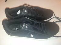 Used twice, Men's Penguin Black Original Steadman Trainers / Sneakers Size 8