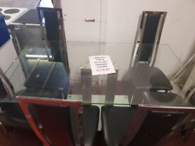 lovely dinning room table with 6 chairs for sale