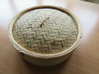 "Bamboo steamer with lid. Approx 12""/31cm diamter, base is approx 2""/5.5cm deep"