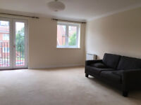 Spacious 1 bed flat to rent £975 pcm private landlord