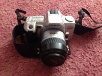 Konica Minolta Dynax 404Si 35-80mm Lens Kit 35mm SLR Film Camera