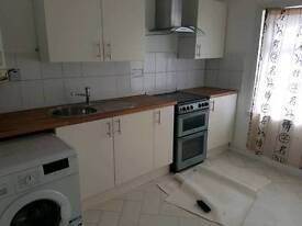 2 bedroom flat. Close to town/uni/shops