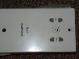 NEW DUAL ELECTRIC SHAVER OUTLET SOCKET, TRANSFORMER OUTPUTS 240 AND 110 AC VOLT OUTPUTS