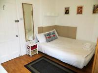 Amazing fully furnished studio flat 5 minute walk to Hammersmith Underground Station