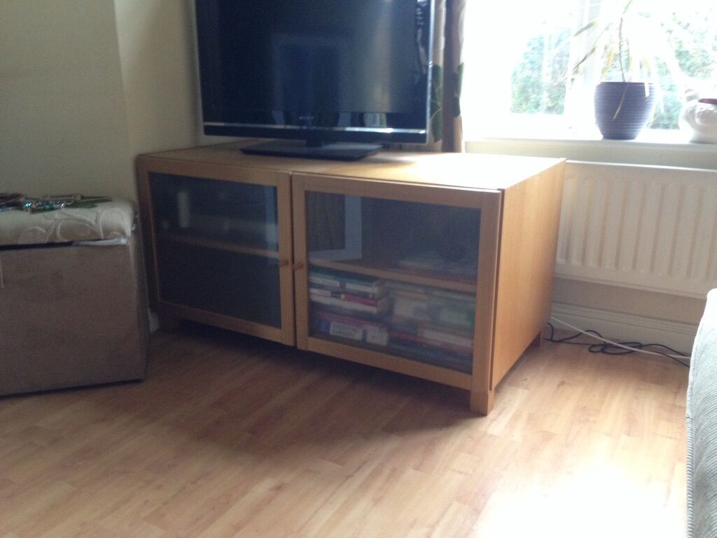 Ikea Tv Cabinet Oak Veneer With 2 Frosted Glass Doors Great Condition