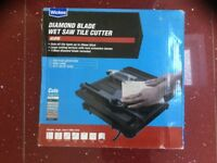 Tile saw, wet tile diamond blade saw, tile cutter, tiling, brand is Wickes