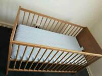 Cot bed in very good condition