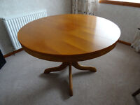 Extending Dinning Table in good condition