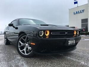 2015 Dodge Challenger SXT ONLY 5,400km!!!